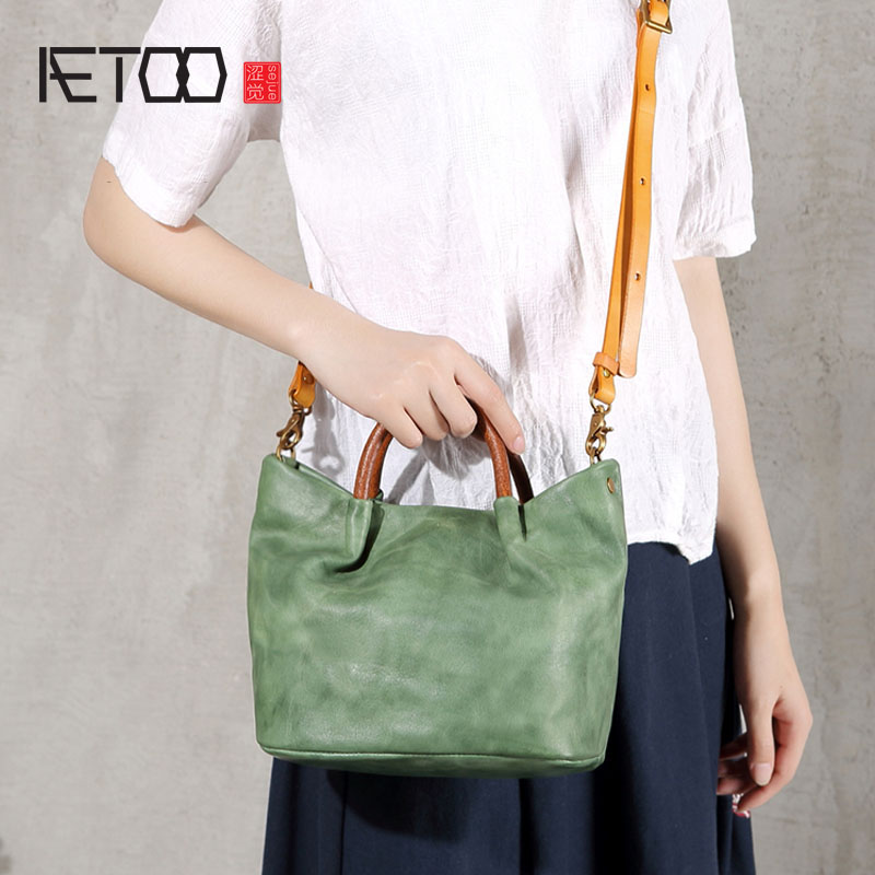 AETOO New original retro leather bucket bag female small bag handbag handmade first layer leather shoulder Messenger bag aetoo original new handmade first layer leather bag messenger bag shoulder leather buckle retro bag packet