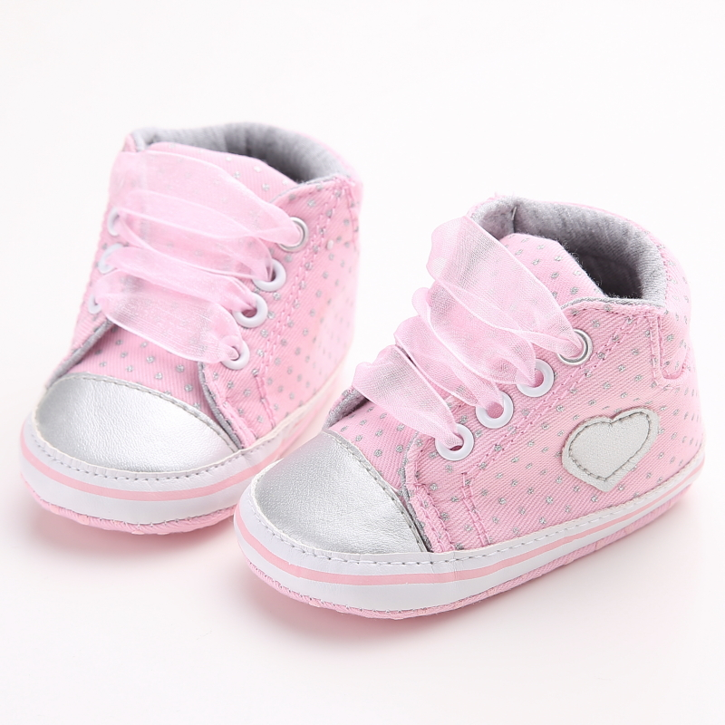 Delebao Grey Love Heart Design Newborn Baby Shoes Gray Dots Lace-up Infant Toddler Baby Girl Shoes