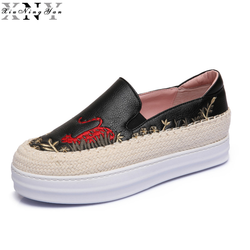 Women Flats Genuine Leather Shoes Woman Embroider Loafers Black White Thick Platform Shoes Suede Leather Casual Shoes 176/15 qmn women crystal embellished natural suede brogue shoes women square toe platform oxfords shoes woman genuine leather flats
