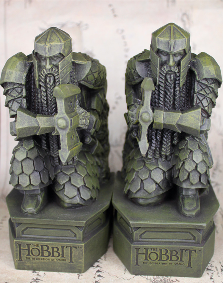 2pcs/set The Hobbit 2: The Desolation of Smaug Lonely Mountain dwarf statue Bookends in stocks the lonely skier