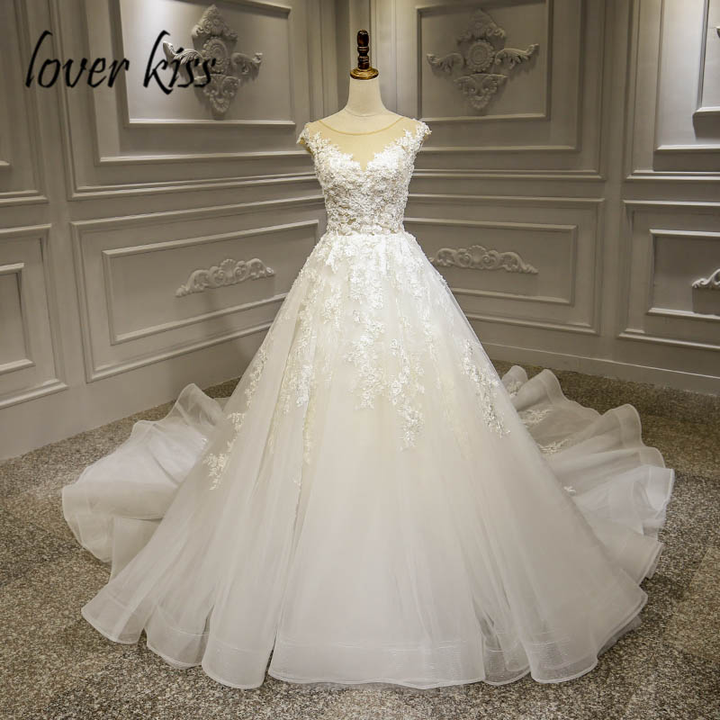Lover Kiss Vestido De Noiva trouwjurk 2019 Lace Flowers Wedding Dresses  Bridal Gowns Beaded Fairy Wedding Dress robe de mariee f1641c17327d