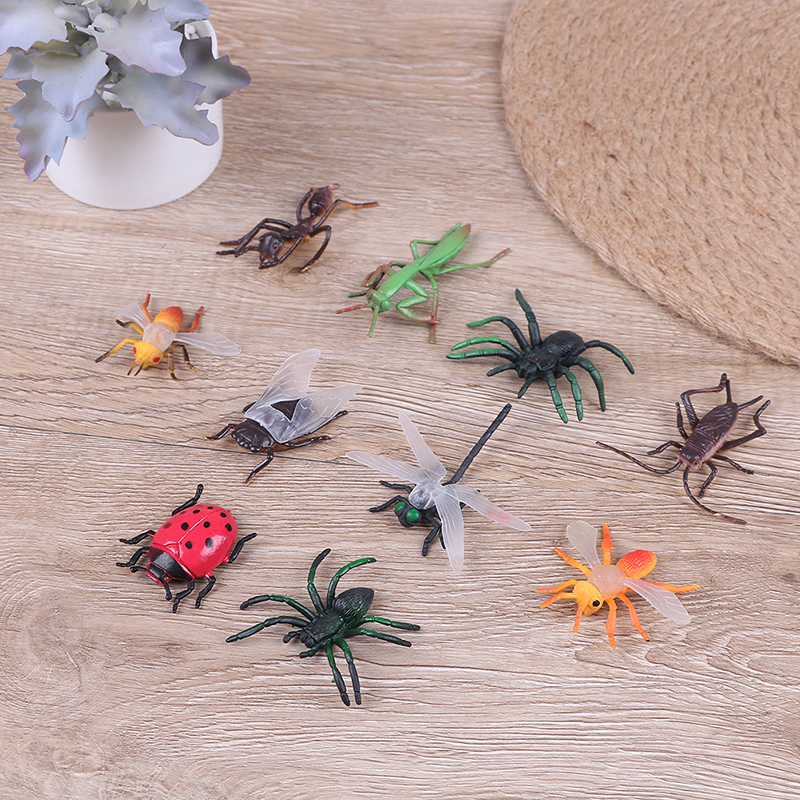 10 Assorted Figure Realistic Bugs Plastic Insects Kisd Party Bag Filler Toy