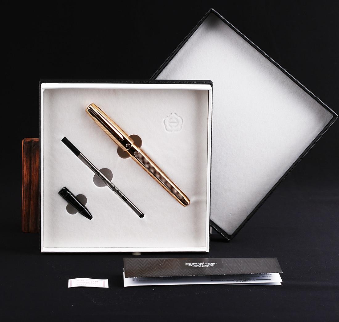 caneta fonte gravura dourado ondulações de duas