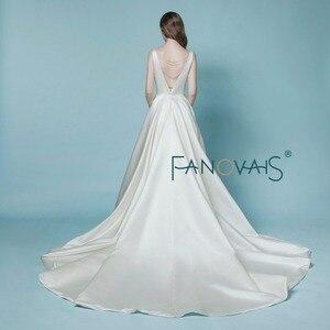 Image 3 - Vestido de casamento de cetim 2019 vestido de noiva simples gelinlik com bolso marfim sem costas cristal vestido de noiva