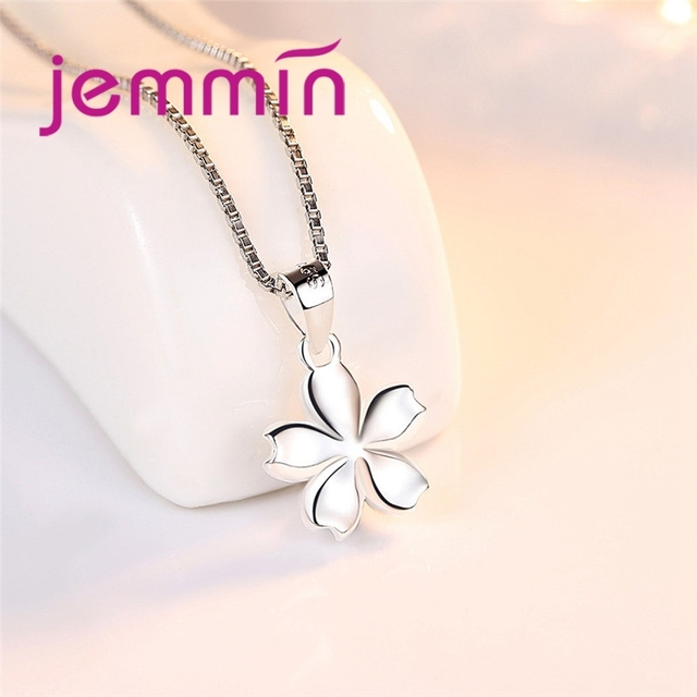 Special Charm Design Fashion Temperament Korean  Silver Flower Necklace