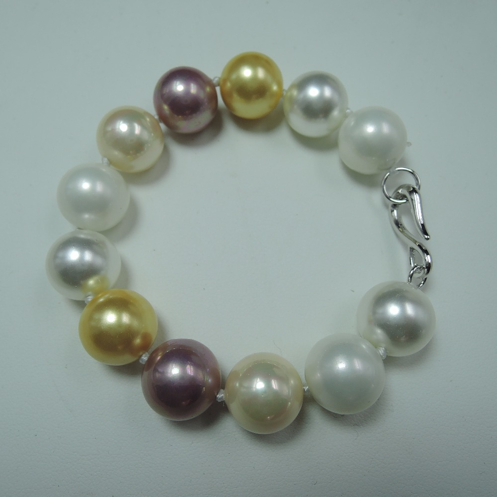 fashion necklace made of sea shell pearl