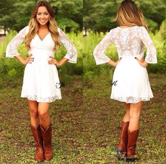 2018 Modest Short Lace Cowgirls Country Wedding Dresses with 3 4 Long Sleeves Mini Bridal Gowns Reception Dress for Wedding