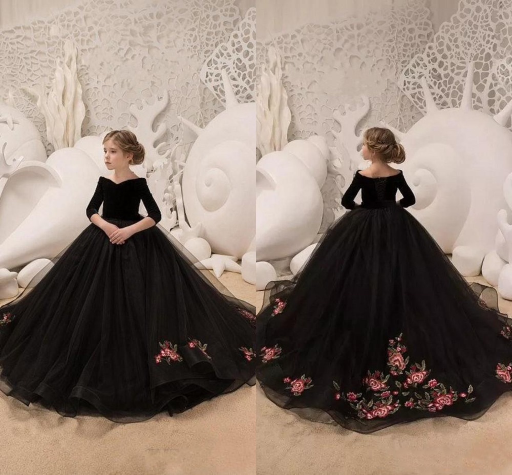 2019 Elegant Black Velvet Off Shoulder Appliques Flower Girl Dress Tulle Long Sleeve Sweep Train Pageant Dress Custom Made