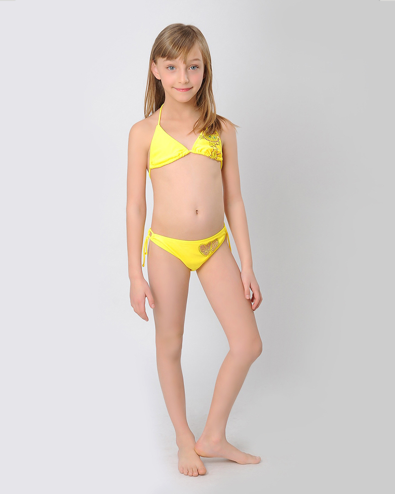 2 bikini teens goin home graz 30 5