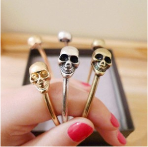 SL075 Skull Bracelets & Bangle Fashion Retro Skeleton Koreans