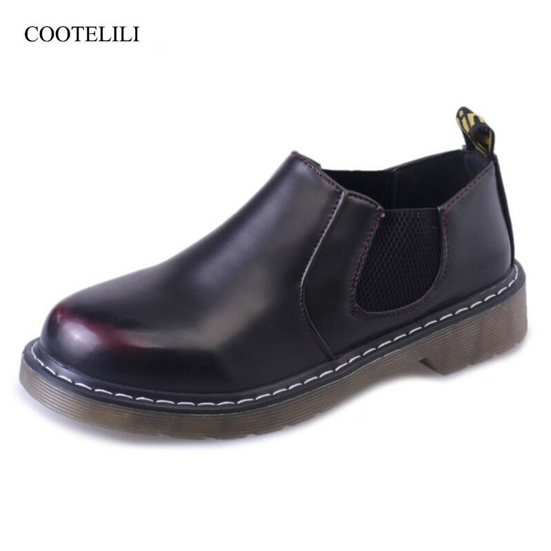 COOTELILI Casual Designer Shoes Women Luxury 2018 Flat Shoes Women Vintage Slip On Loafers Female PU