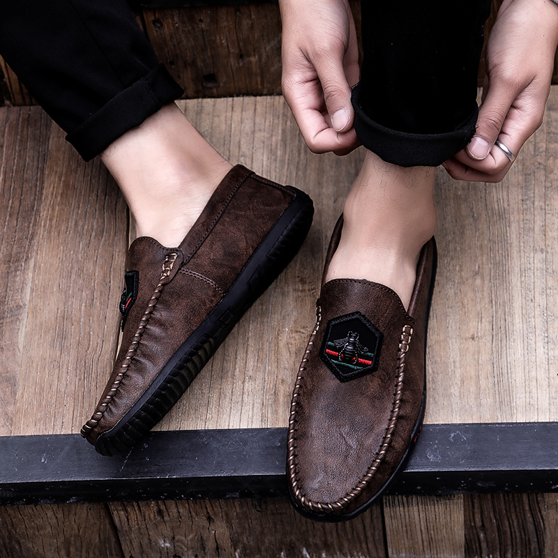 3ffeacb781a Detail Feedback Questions about Sycatree New Luxury Cow Leather Ferrari  Men s Casual Shoes British Style Bee Men Loafers Slip on Ferrary Driving  Lazy Shoes ...