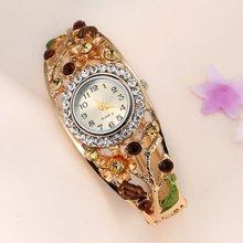 Big Round Dial Wrist Watch Charming Women Quartz Watch Ladie