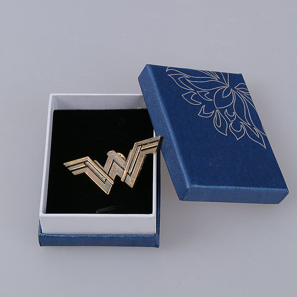 2017 Movie Wonder Woman Badge Justice League Superhero Diana Prince Metal Brooches Pin Halloween Cosplay Accessories Prop Woman