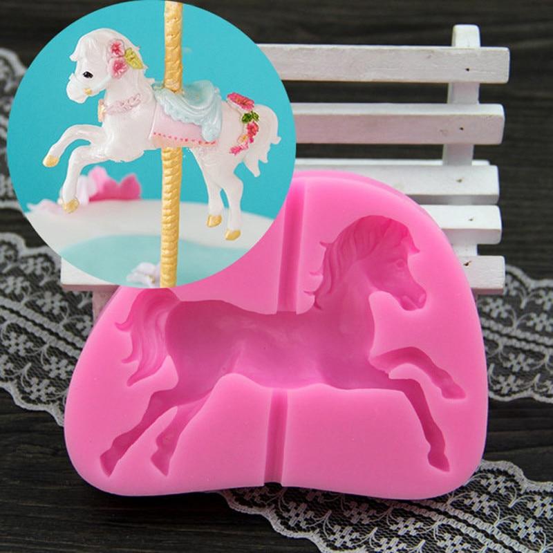 Luyou DIY Baby Trojan oblika Fondant čokolada za peko silikonski kalup za orodje za okrasitev torte konjske igrače Kalupi za torte FM123