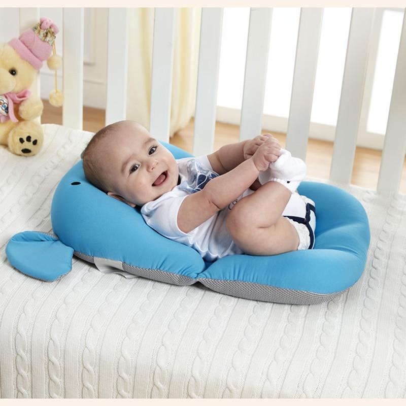 Купить с кэшбэком Baby Shower Portable Air Cushion Bed Babies Infant Baby Bath Pad Non-Slip Bathtub Mat NewBorn Safety Security Bath Seat Support