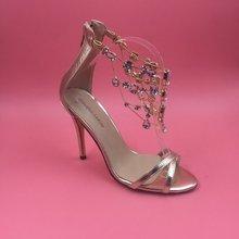 2016 reales Gold Frauen Sandalen Zapatillas Mujer Damen Sandalen Kristall Schuhe Plus Größe Luxus Marke Schuhe Frauen Günstige Modest