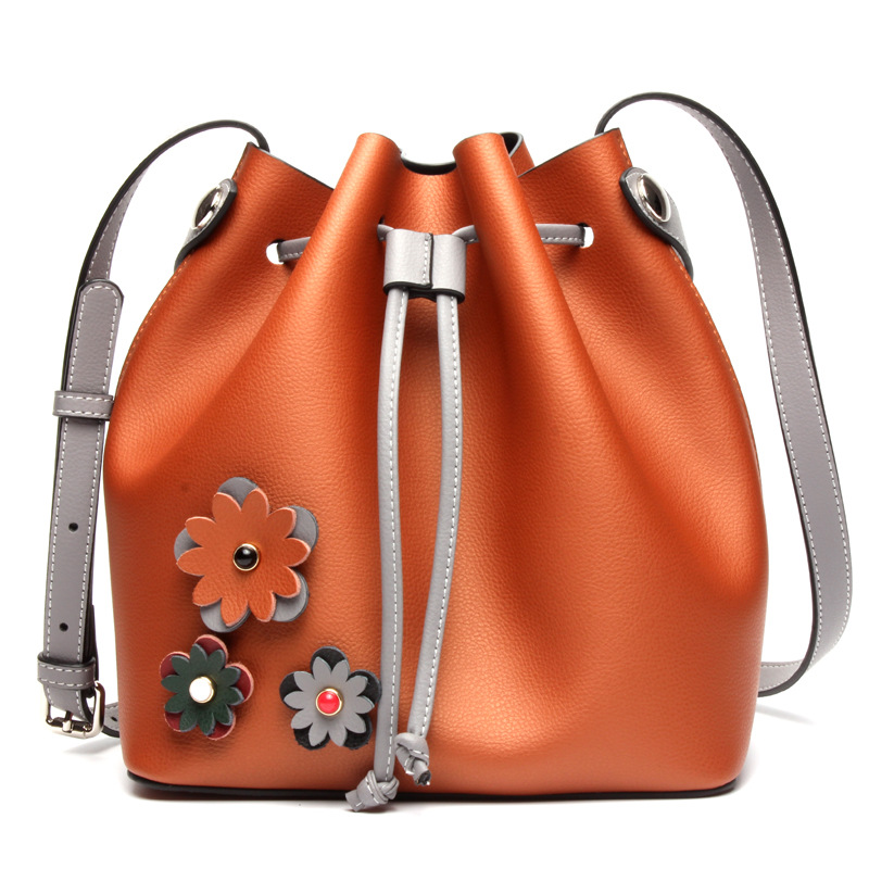 New Winter Cow Split Leather Bucket Bags Women Handbags Hot Shoulder Bag Fashion Vintage Flower Crossbody Casual Messenger Bag fashion matte retro women bags cow split leather bags women shoulder bag chain messenger bags