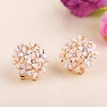 61e270860fde 2018 hembra pendientes para Mujer Boucle d oreille cristal flor Clover  pendiente oro Bijoux Brincos Mujer