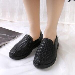 Image 5 - Сапоги SWYIVY женские резиновые с низким вырезом, Новинка лета 2018, женская повседневная обувь на плоской подошве, водонепроницаемые женские сапоги для дождя, сапоги женские 40