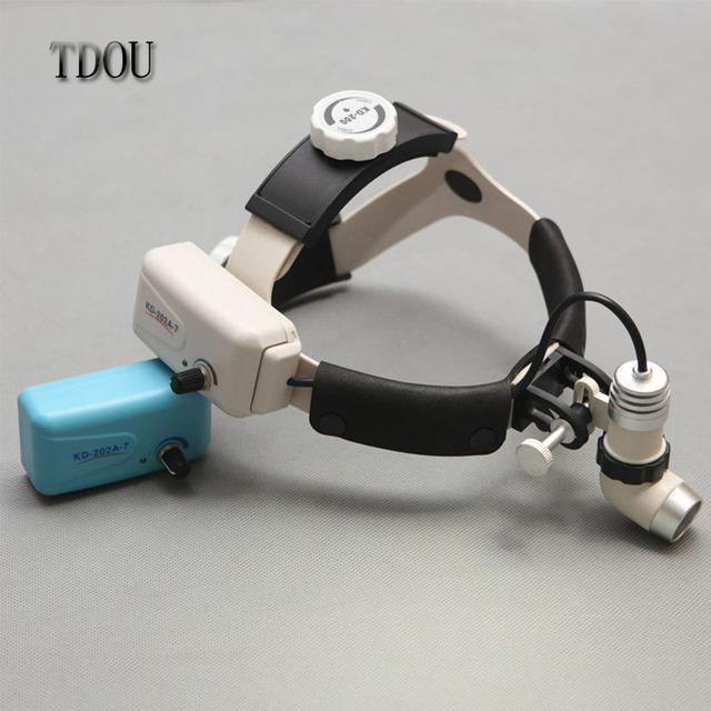TDOU KD202A-7 Dental Medical Surgical Farol Head Lamp 3 M Spot Brilho Ajustável 3 W com Dois Pcs Baterias Livres grátis