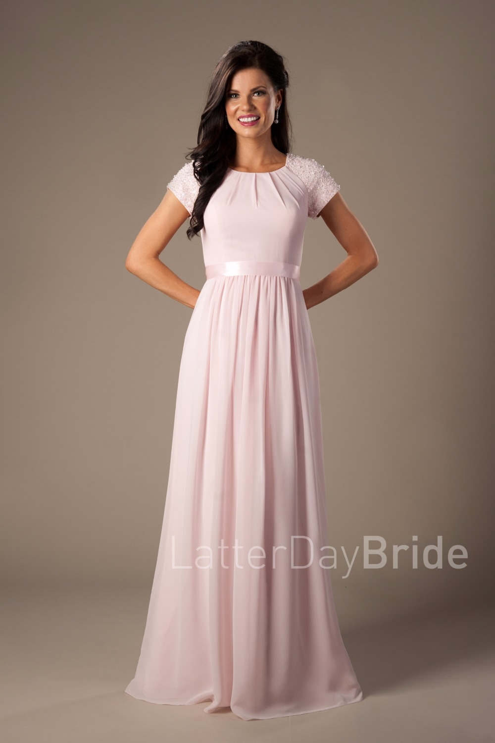 Beaded Pink Long Chiffon Modest   Bridesmaid     Dresses   With Cap Sleeves Elegant Evening Wedding Party   Dresses   A-line Floor Length