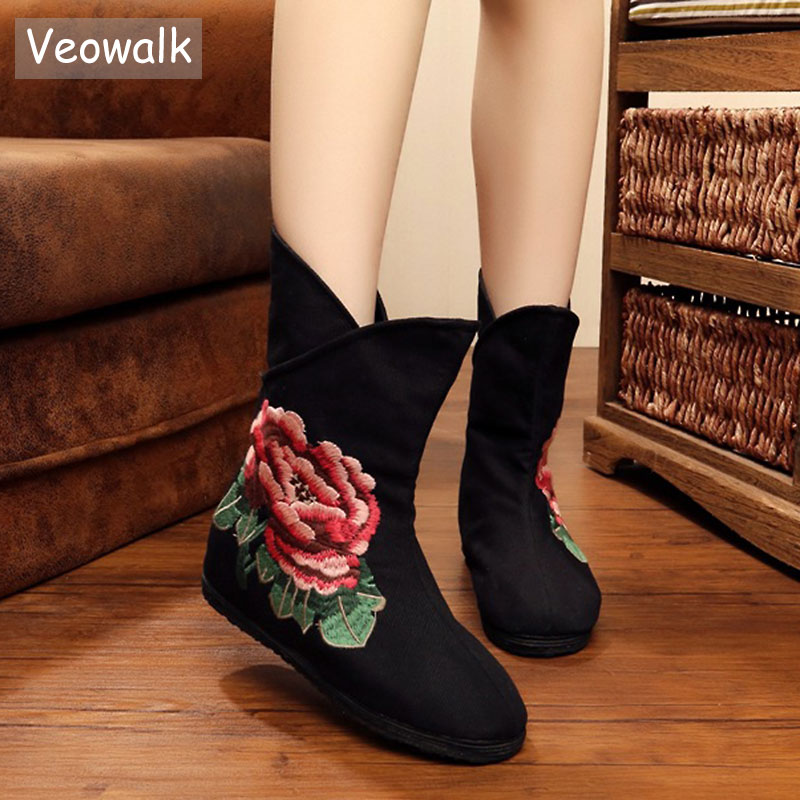 Veowalk Chinese Women Embrodiery Boots Old BeiJing Flower Embroidered Women's Casual Soft Cotton Wedges Booties Shoes 2018 bride red wedding shoes old beijing national wind embroidered cloth shoes chinese retro tassels show shoes