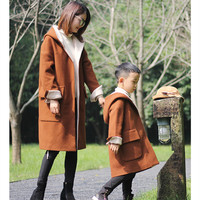 2018 Winter Original Design Mom Daughter Hooded Coat Family Matching Outfit Mother and Son Caramel Ribbon Hat Long Jackets New