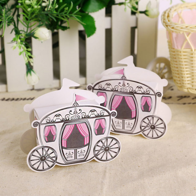 20pcs Lot British Style Candy Box For Wedding Gift Carriage Model Bonbonniere Festival Party