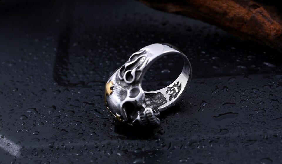 แหวนสวยๆ Code 060 แหวนกะโหลกกางเขน เท่ห์ๆ สแตนเลส6