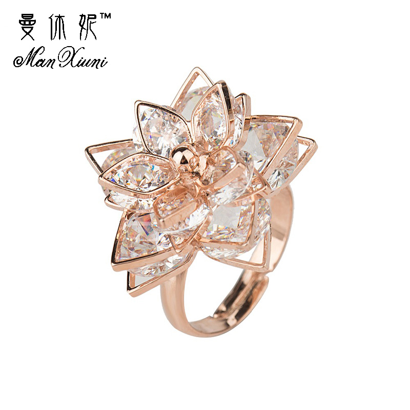Fashion Gold Double Five Multilayer Lotus Flower Cocktail Ring av Luksus Justerbare Ringer med Zircon Stone Women Birthday Gift