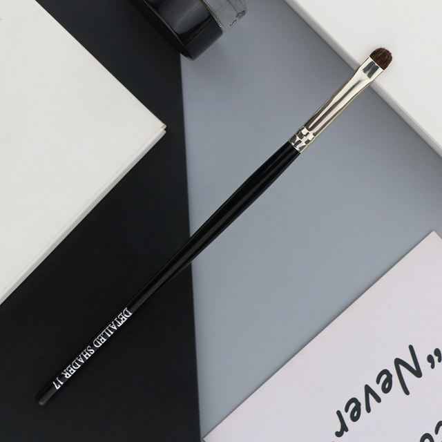 BEILI 1 Piece Goat Hair Precise blending Eye shadow Detailed small shade Single Makeup Brushes Black handle Silver ferrule 2