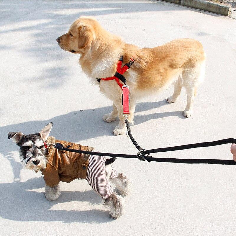 2 PZ Forniture per Animali Domestici Rotazione Regolabile a 360 /° Cinture di trazione per Cani Cintura di Sicurezza per Auto per Cani Design Elastico con Elastico Anti Shock Dog Harness