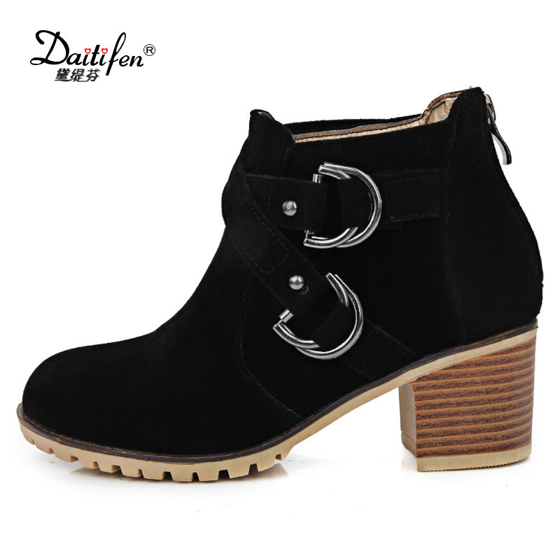Daidiesha New Autumn and winter women Leather shoes vintage Europe star fashion Square high heels Ankle boots zipper Snow boots стоимость