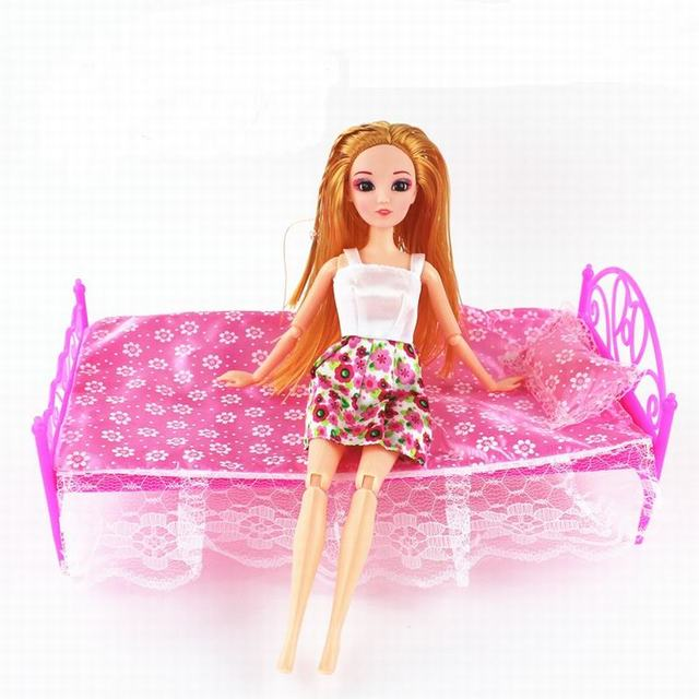 Boneka tidur furniture dengan lembar bantal gadis hadiah ulang tahun boneka  mimpi rumah untuk barbie doll c316beba88