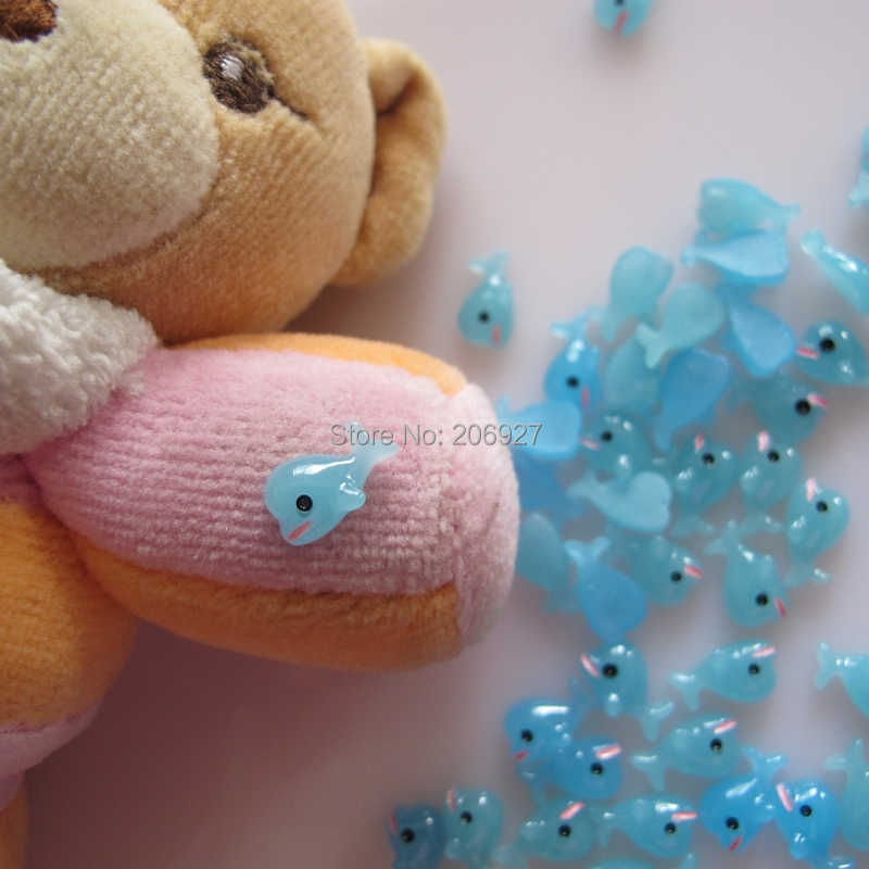 RC168 30pcs Cute Dolphin Shape Nail Resin Decoration Outlooking