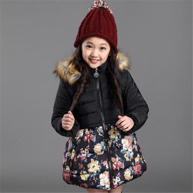 Recém-chegados 2016 Meninas Floral Jaqueta Moda Gola de Pele Com Capuz Outwear Casaco de Algodão Mais Grossa de Veludo Crianças Roupas Para Baixo Parkas