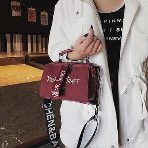 Image 5 - Frauen Peeling Schulter Umhängetasche Handtasche Mode Brief Dekoration Tote Taschen Breiten Gurt Crossbody tasche Für Frauen Sac EIN Haupt