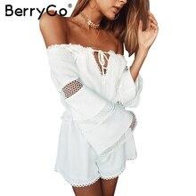 BerryGo Сексуальная с плеча выдалбливают комбинезон ползунки Женщины повседневная flare рукавом летом playsuit Элегантный рябить белые комбинезоны