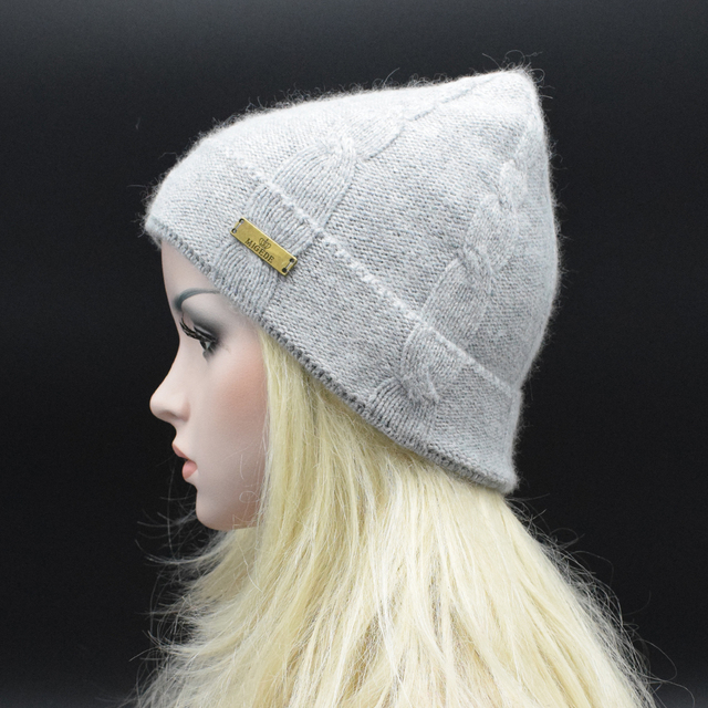 2017 Winter Autumn Adult Women Men's knit Beanie hat Unisex Solid Color Wool knitting hat Men Winter casual caps with Metal Logo