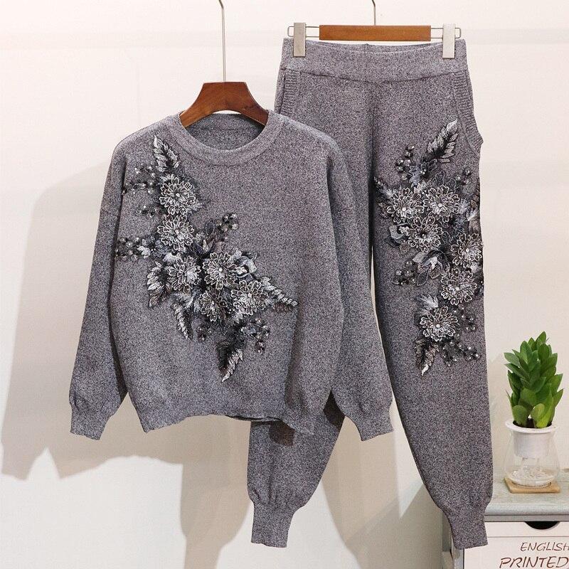 2019 Otoño Invierno flor cuentas bordado Casual deportes punto pantalones mujeres suéter Tops traje de pista-in Conjuntos de mujer from Ropa de mujer    2