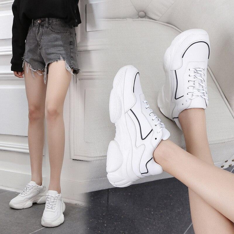شحن مجاني الأبيض الرياضة حذاء فاخر ريال جلد طبيعي المطاط فراغ باطن النساء حذاء رياضة حجم 34 40 خط أسود-في أحذية نسائية مسطحة من أحذية على  مجموعة 1