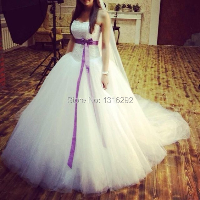 Sweetheart Bodice Corset White Tulle Ball Gown Wedding Dresses With Purple Sashes 2014 New Style