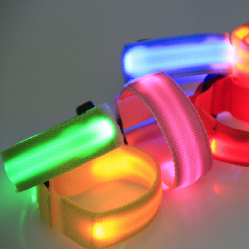 2Pcs LED Flashing Wrist Band Bracelet Arm Belt Light Up Glow in The Night Dance Party Supply Random Color