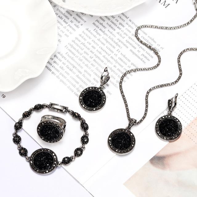 Vintage Rhinestone Bohemia Black Broken Stone Jewelry Set