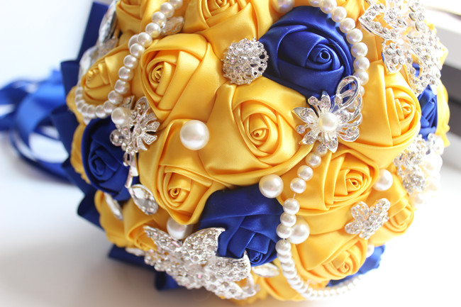 JaneVini Fleur Satin Gul och Royal Blue Wedding Brosch Bouquet Bride - Bröllopstillbehör - Foto 5