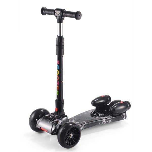 ילדים של קטנוע קטנועים שלושה גלגלים עם הבזקי מוסיקלי צעצוע צעצוע מקופל נסיעות, לילדים מ 3 שנים