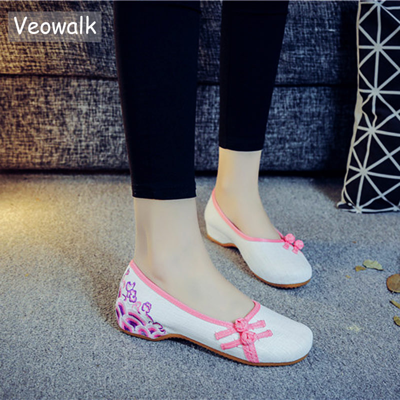 Veowalk Chinese Knot Women Thin Canvas Ballet Flats Floral Embroidered Vintage Ladies Casual Comfortable Slip on Linen Shoes недорго, оригинальная цена