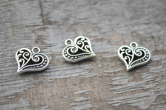 Pendants Beads 20mm Jewelry//Crafts 5-20 Tibetan Silver Made With Love Charm