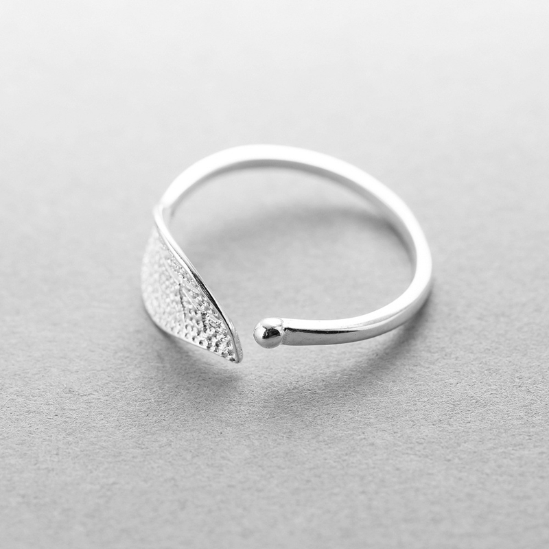 Image 3 - New 925 sterling silver fashion simple leaf ring female small fresh leaf rings adjustable forefinger silver 925 jewelry-in Rings from Jewelry & Accessories